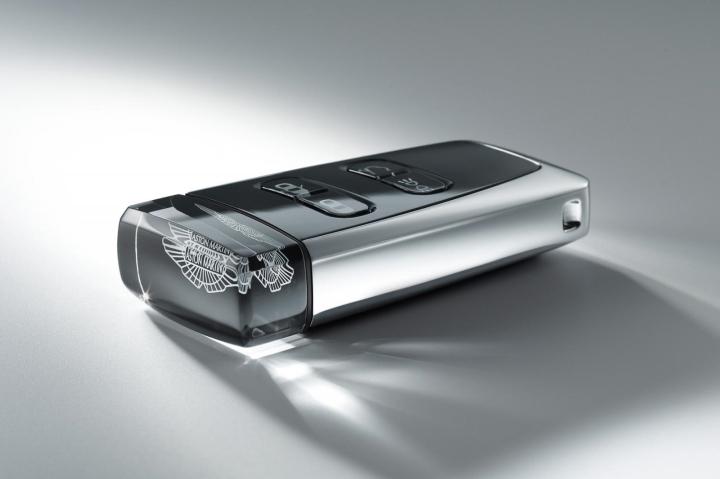 Aston-Martin-Car-Key-Sapphire-Crystal-3