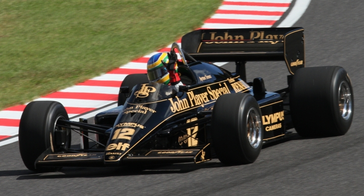 Bruno_Senna_demonstrating_Lotus_97T_2010_Japan